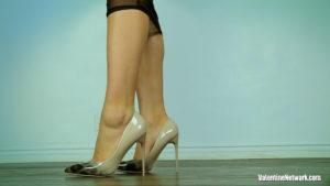 Skyla Novea's feet